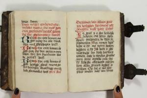 65/2370   [Medieval manuscripts]. (Prayerbook).
